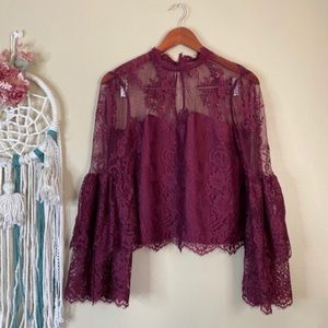 Cupcakes & Cashmere Davey Layered Lace Top Size M